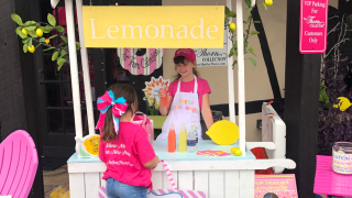 Thorn Collection lemonade stand.png