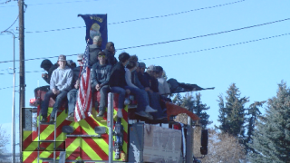 Manhattan celebrates state title with joyride around town