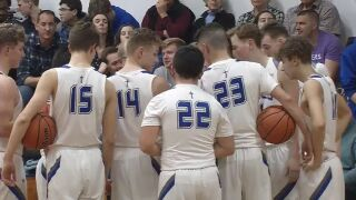 Eagles, Panthers close strong in wins Thursday