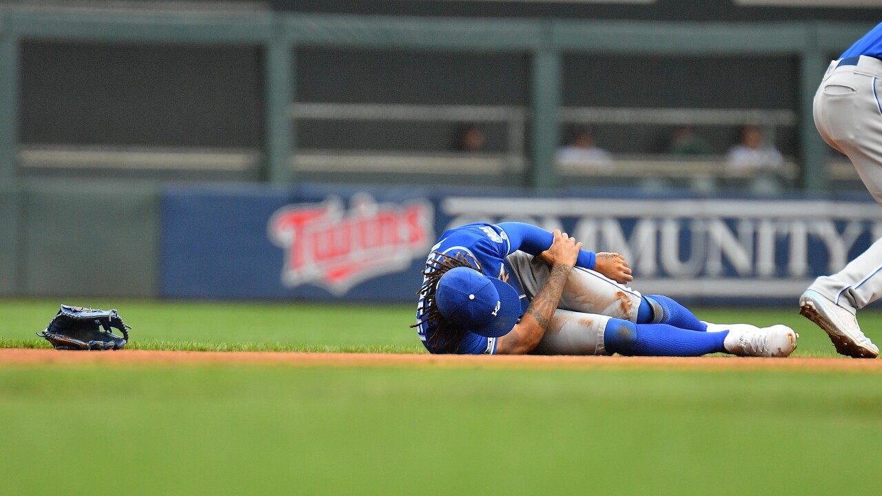 Adalberto Mondesi injury