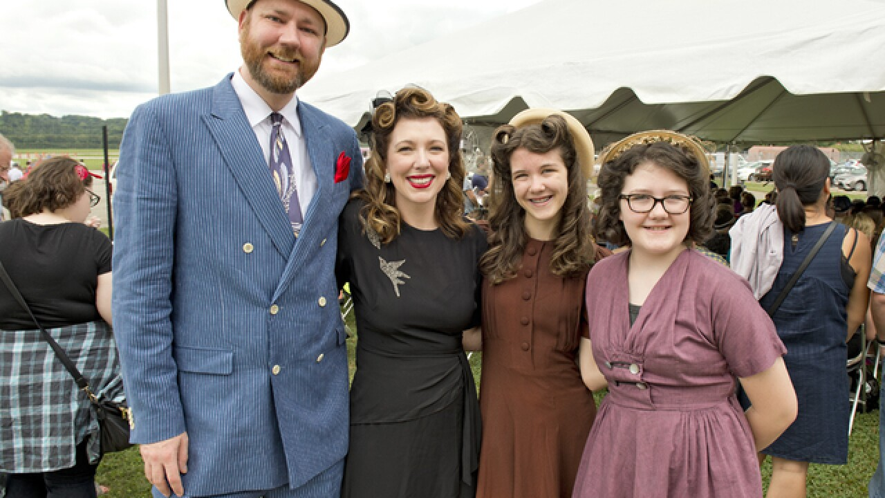 PHOTOS: 1940s Day at Lunken Airport