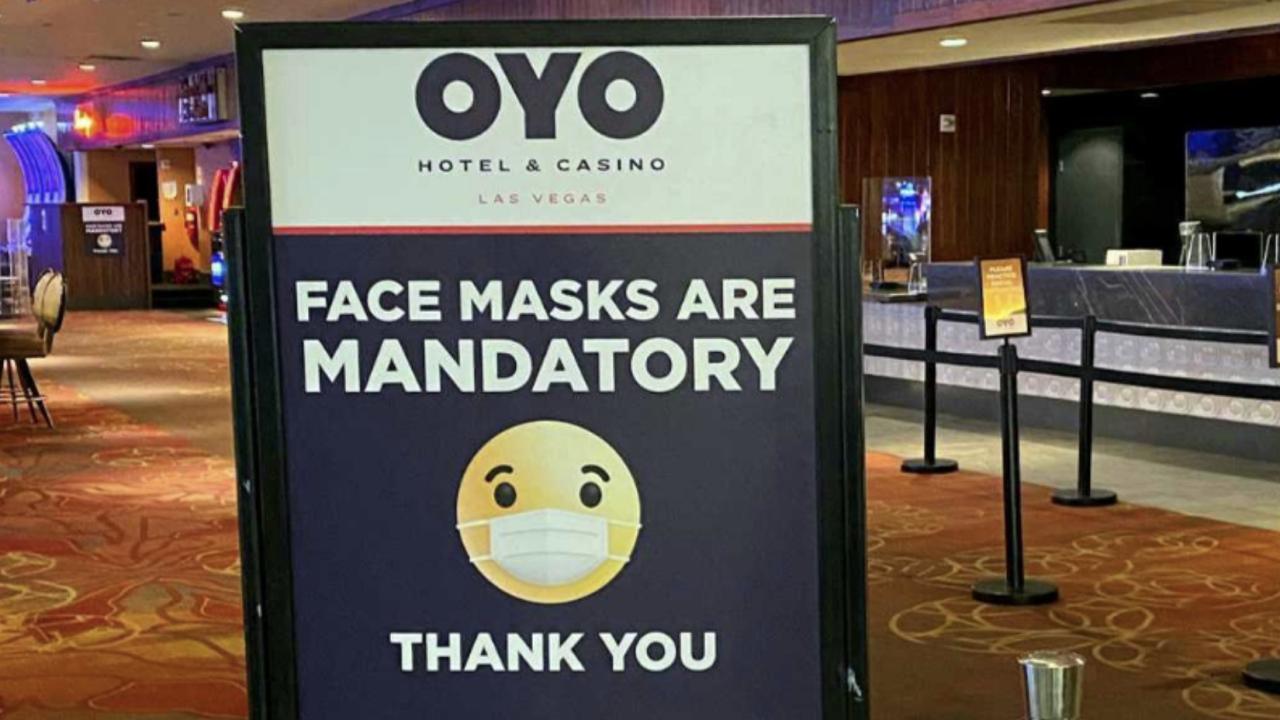 OYO FACE MASK SIGN