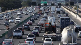 Auto traffic costs U.S. $166 billion a year, study suggests