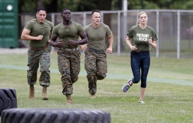 Sports Illustrated model Kate Upton trains with Marines