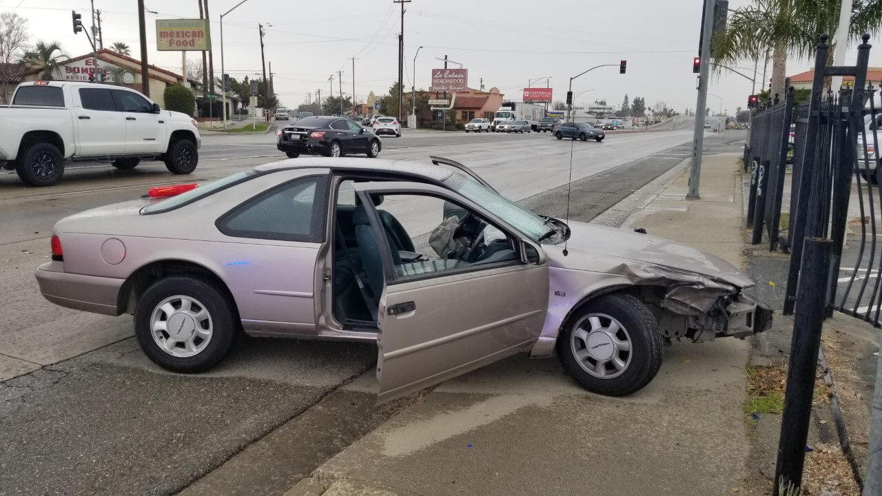 Bakersfield Police Pursuit Ends in Crash