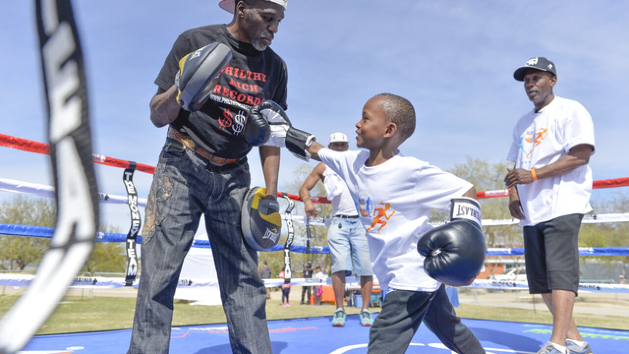 Floyd Mayweather Foundation holds fitness event