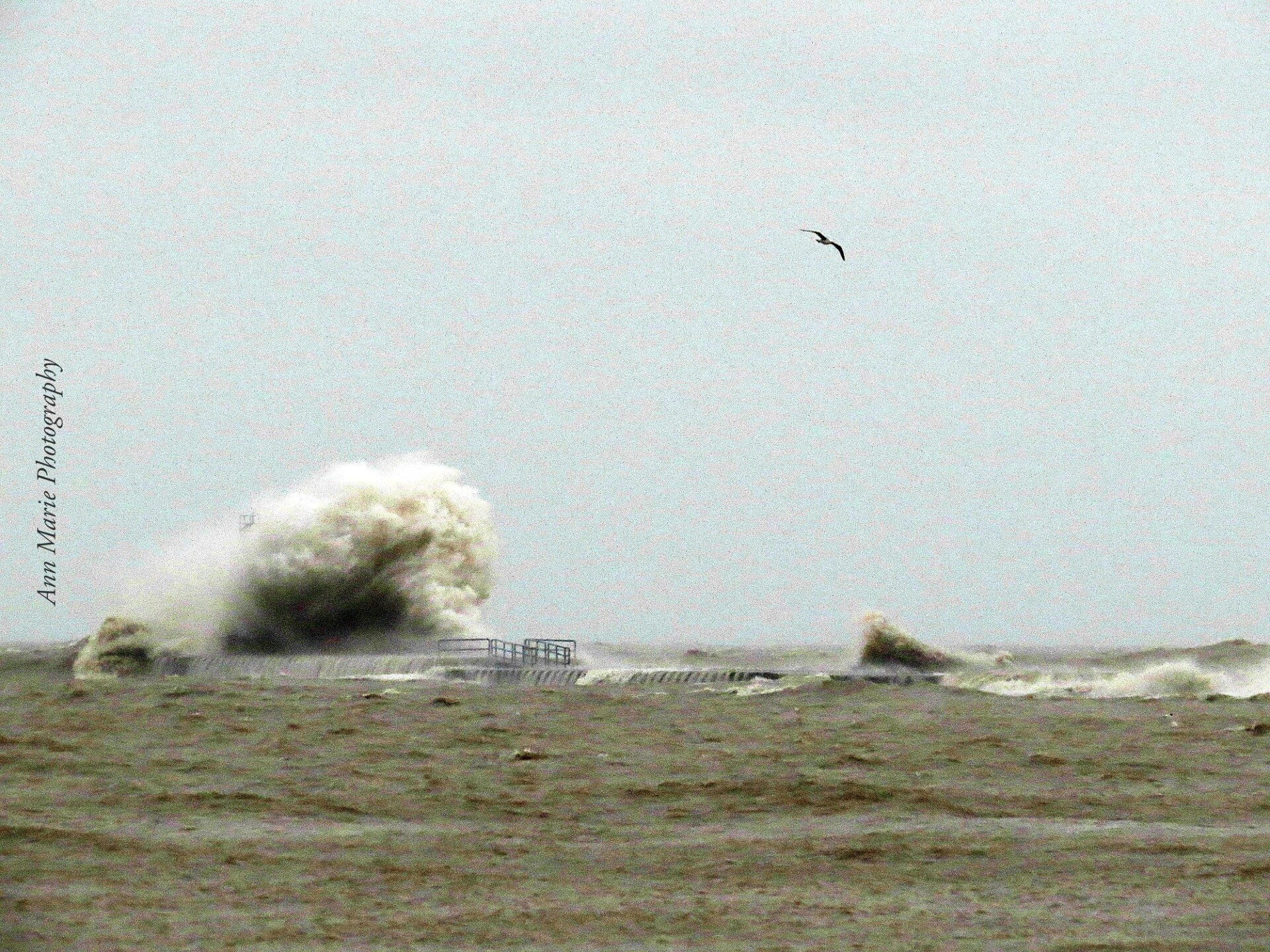 Massive wave knocks down 20 foot tall lighthouse in Wisconsin