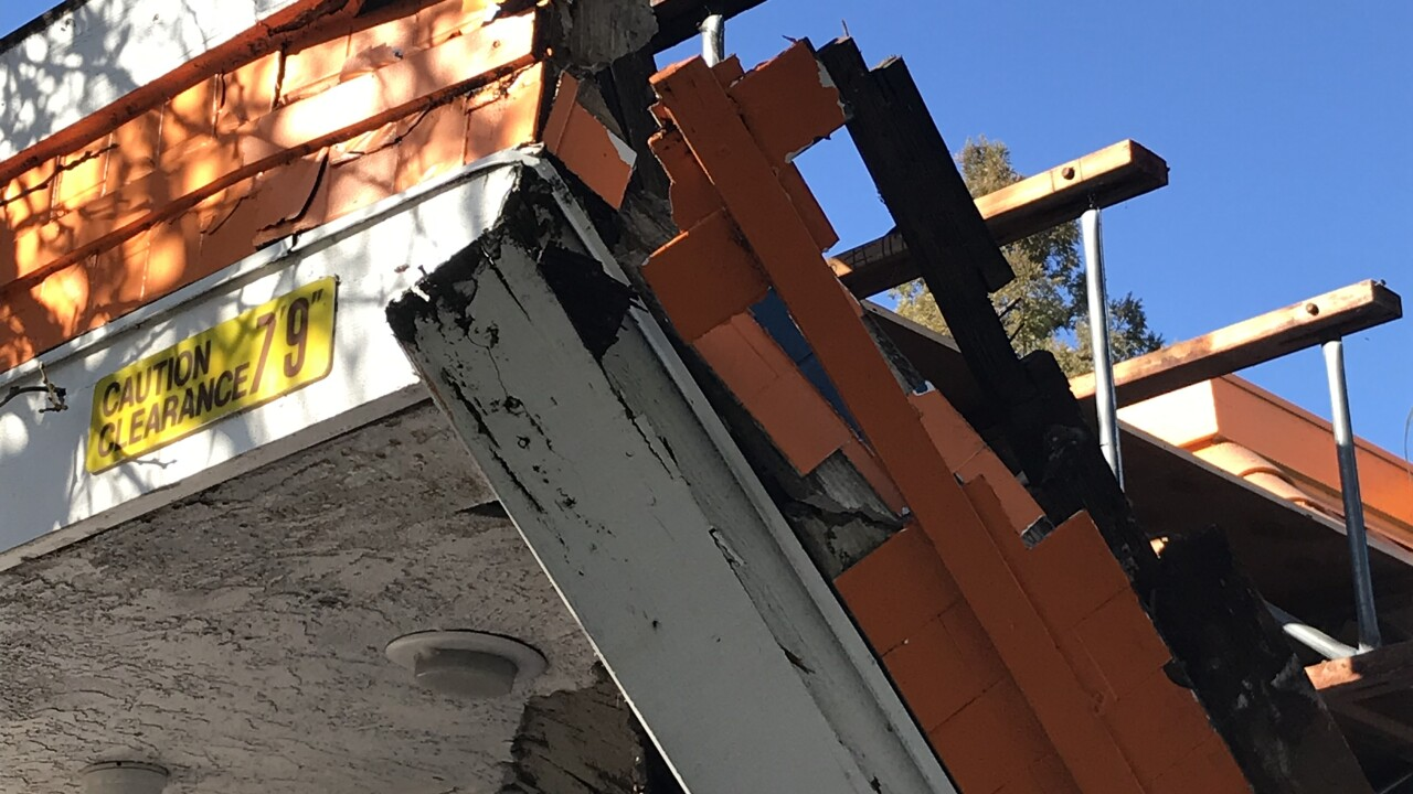A&W roof collapse .JPG