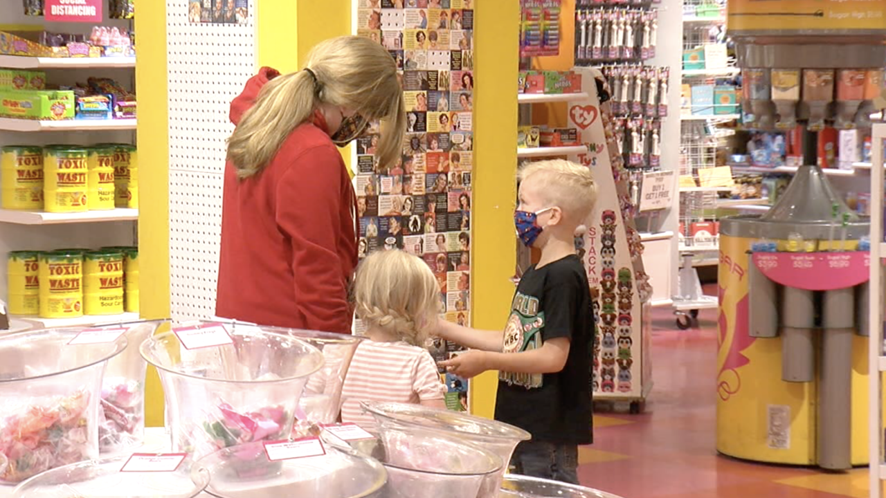 Wyoming boy who saved his sister from dog attack, gets candy shopping spree in Denver .png