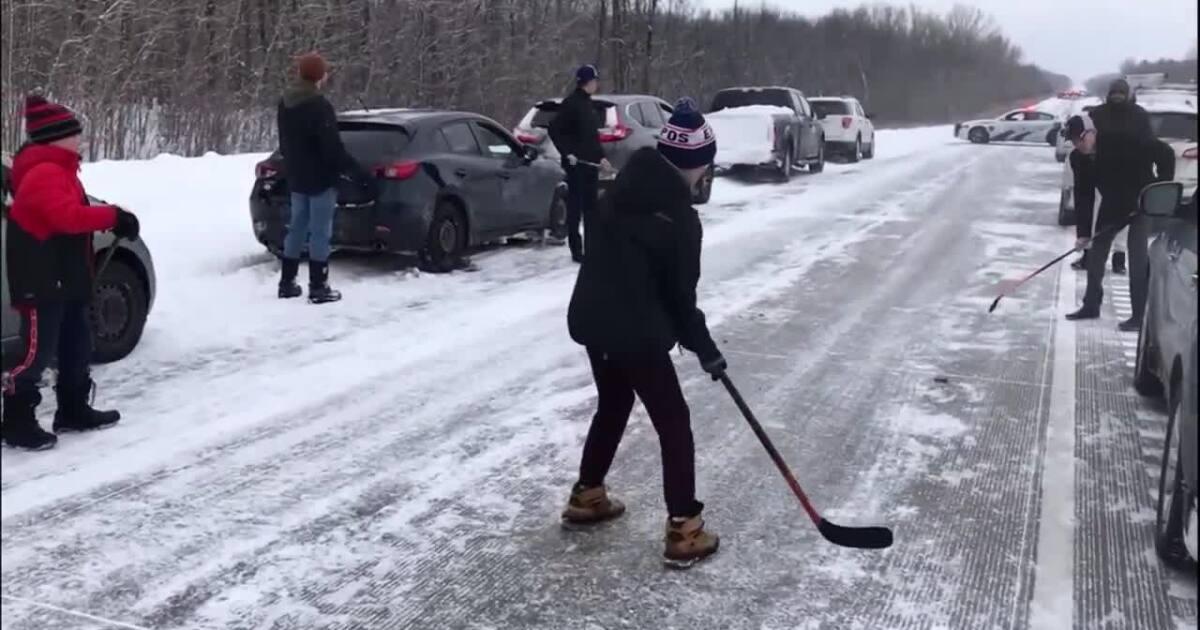Video extra: Highway hockey in Canada
