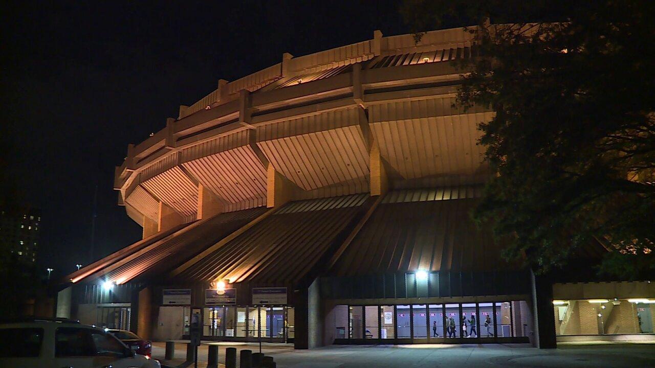 City Council appoints commission to evaluate Richmond Coliseum plan; Mayor questionsdecision