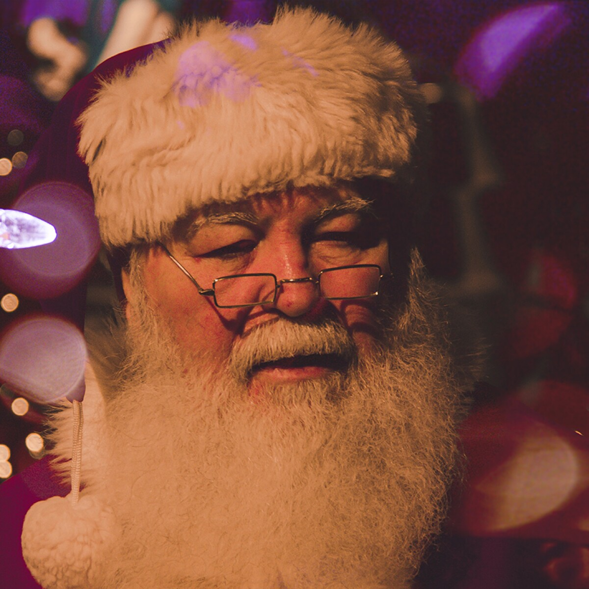 Some people think Santa should be female or gender neutral, study by GraphicSprings