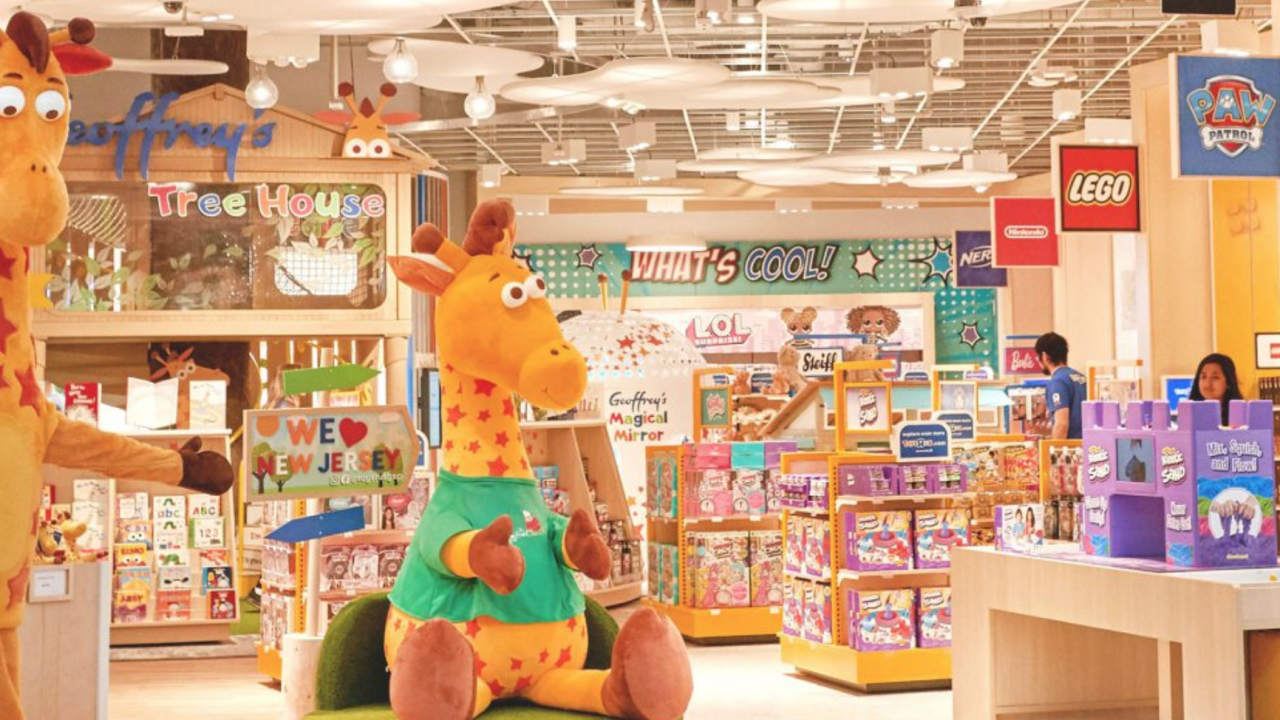 Toys 'R' Us reopens first store this weekend