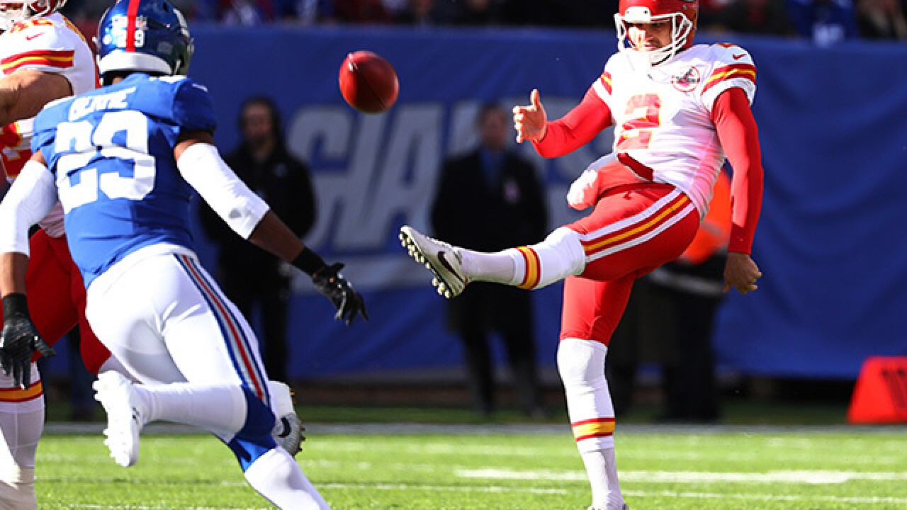 Chiefs, Punter Dustin Colquitt, reach 3-year extension