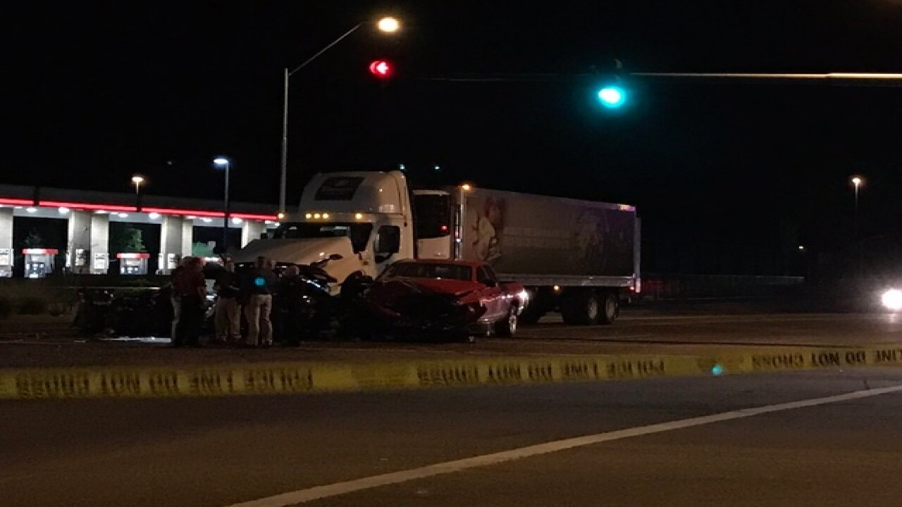 Phoenix PD investigating serious crash with semi