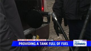 Holland Public Safety officers pay it forward, pump free gas