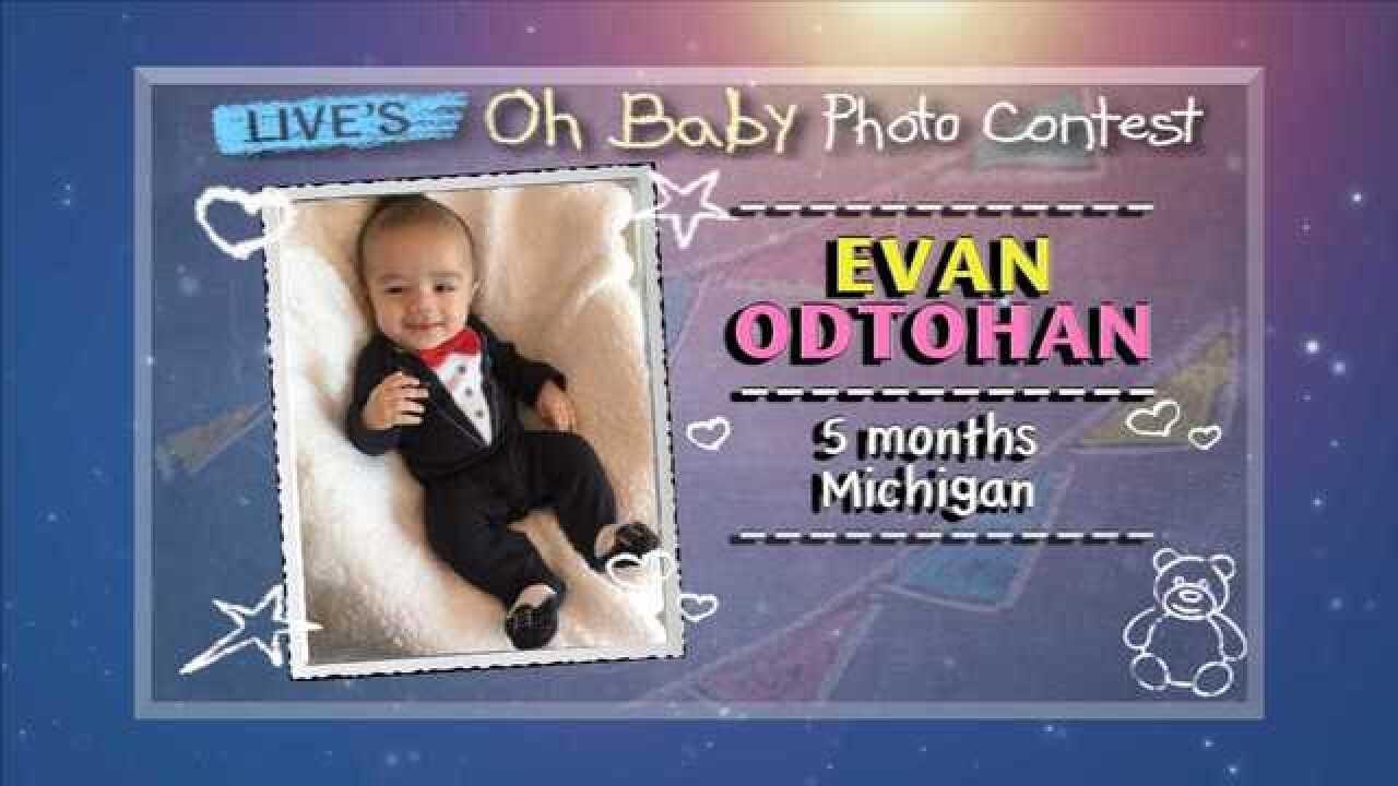 Michigan baby makes Top 10 'Live's Oh Baby Photo Contest'