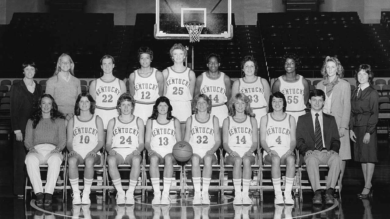 1981-82 UK Women SEC Champs.jpg