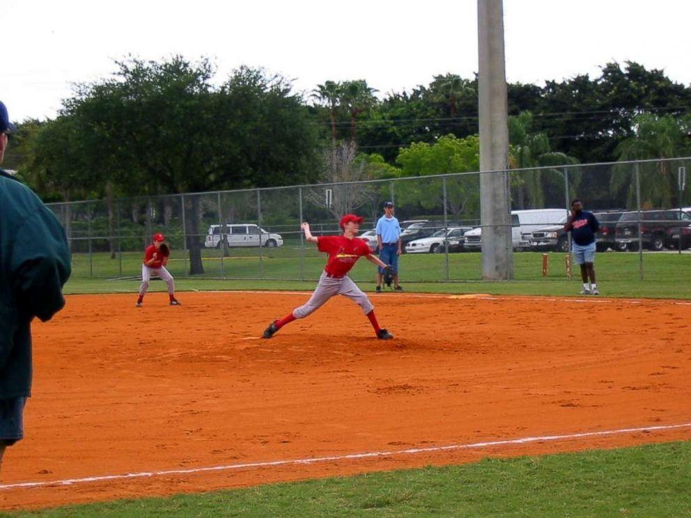 andrew-giese-baseball-ht-jef-180302_4x3_992.jpg