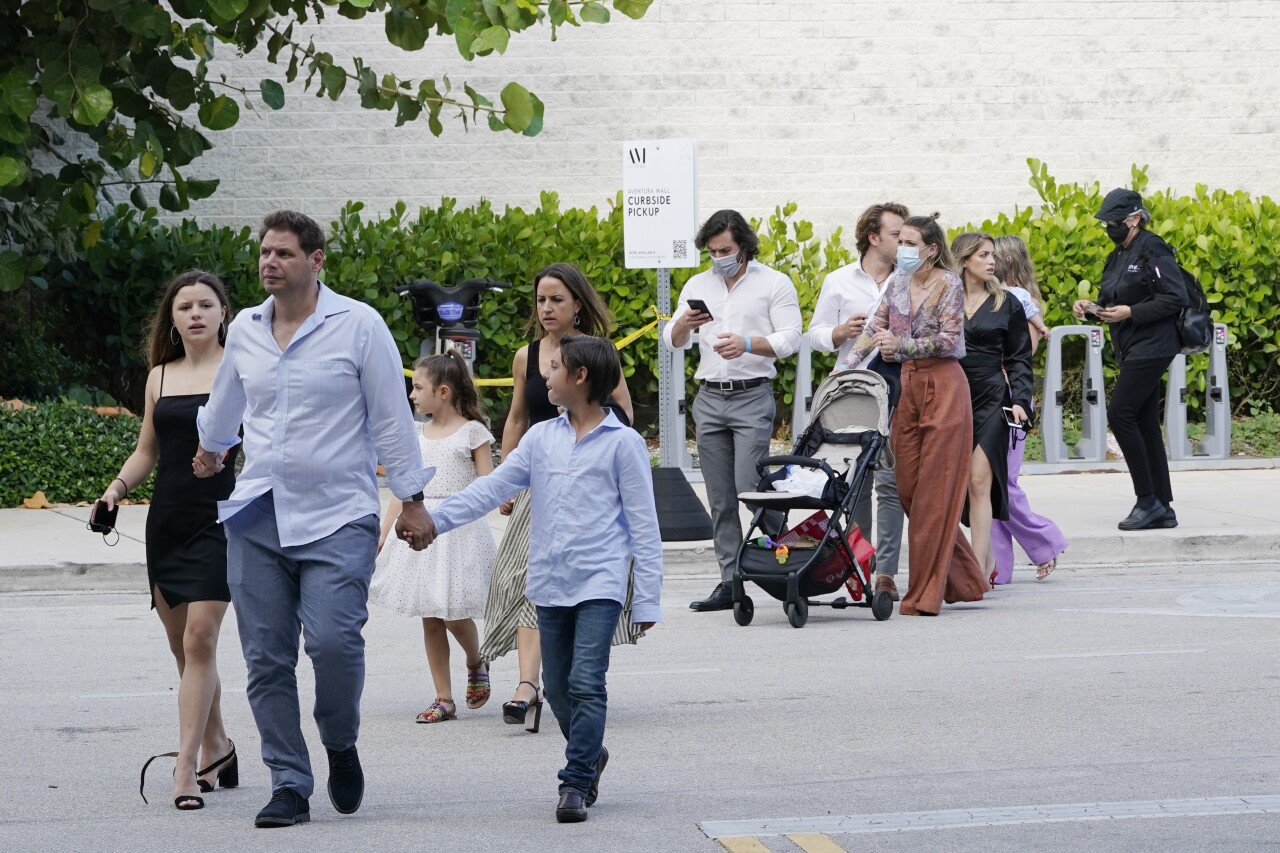 Aventura Mall shoppers leave after shooting, May 8, 2021
