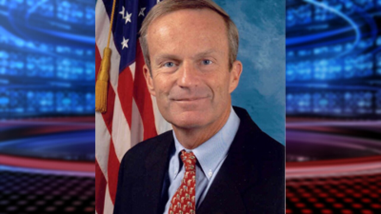 Akin will not end Senate bid over controversial rape comments