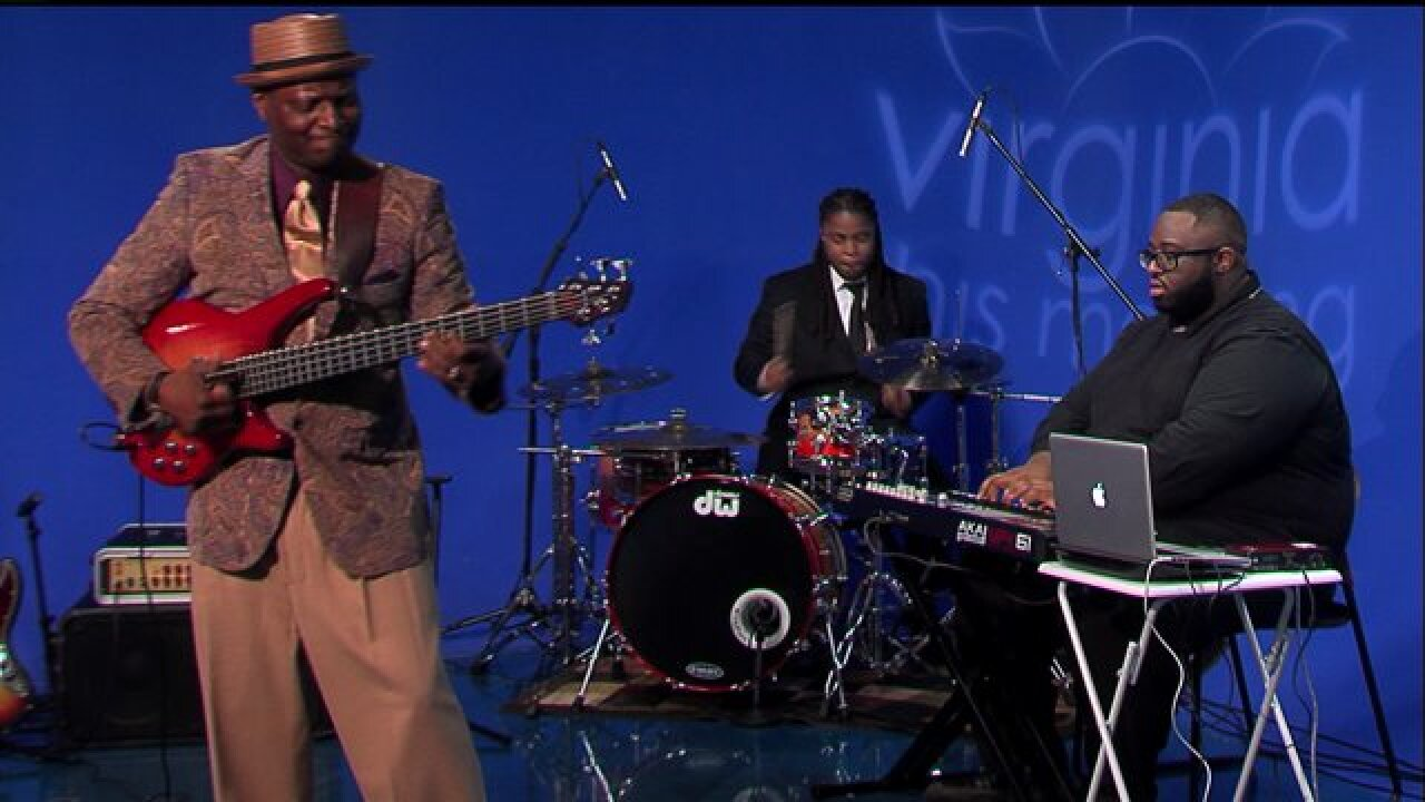 Let the Johnny Lee Long Band introduce you to 'Egyptian Funk' with two great performances