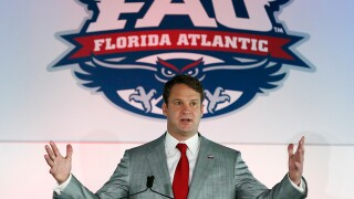 Report: Lane Kiffin agrees to 10-year deal to coach FAU Owls