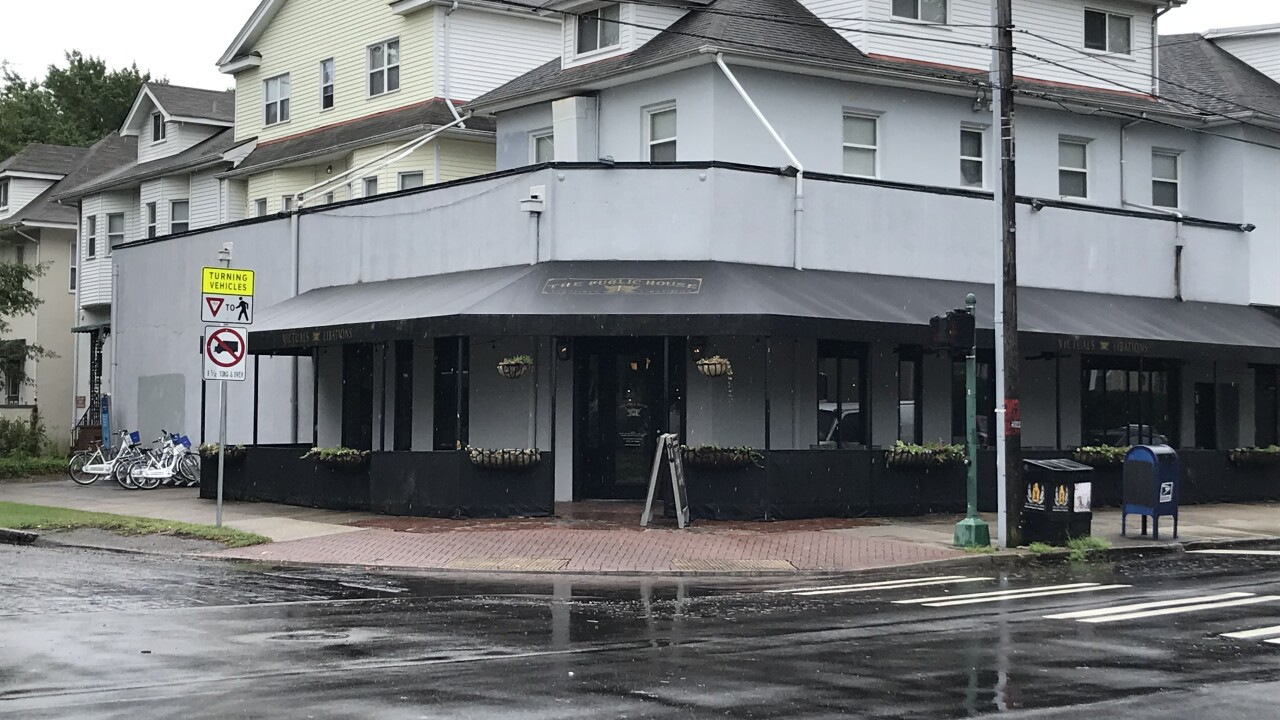 Norfolk restaurant receives mixed reactions after promising to donate proceeds to gun reformgroup