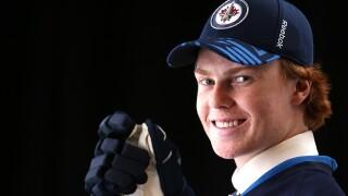 Green Bay native, Mason Appleton makes NHL debut, earns assist