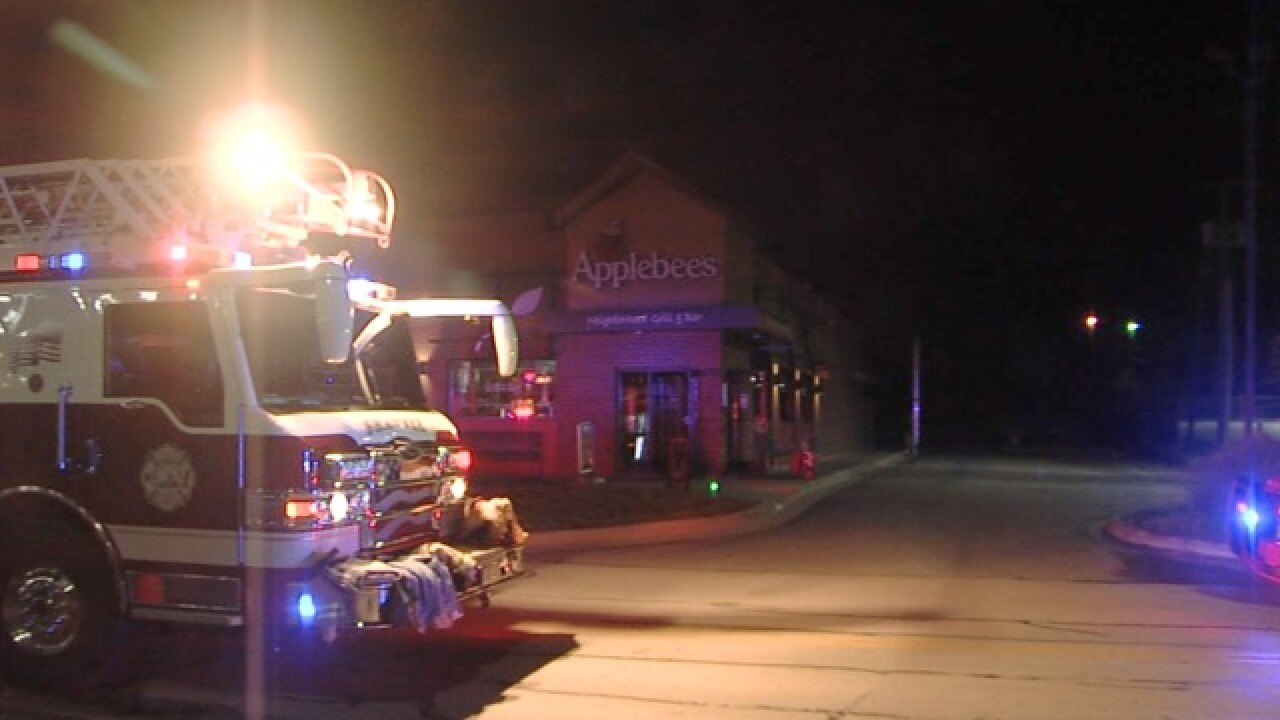 Early morning kitchen fire strikes Shawnee Applebee's