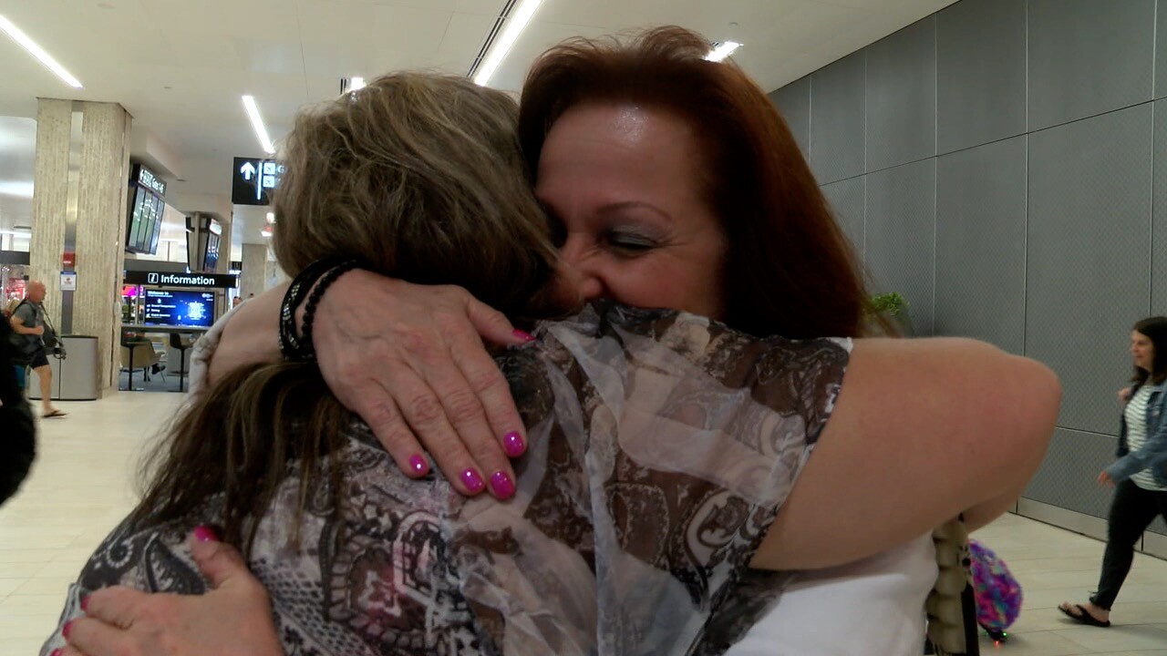 A Mother's Day weekend to remember: Woman meets birth mom for the first time