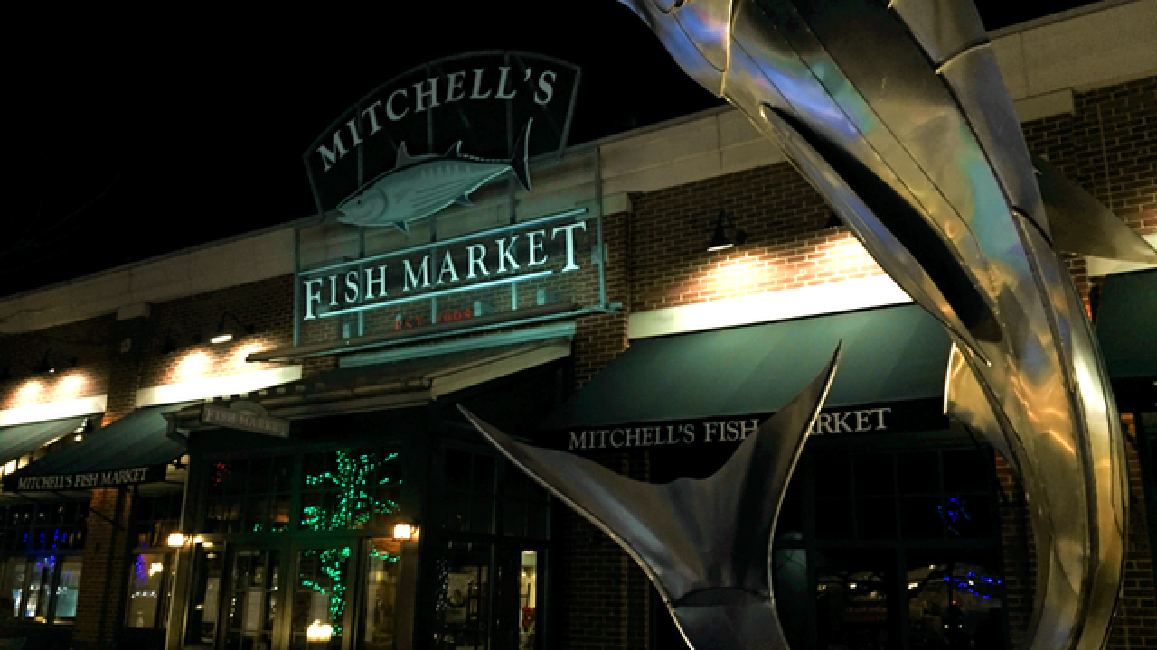 Mitchell's Fish Market shut down during dinner rush after health violations discovered