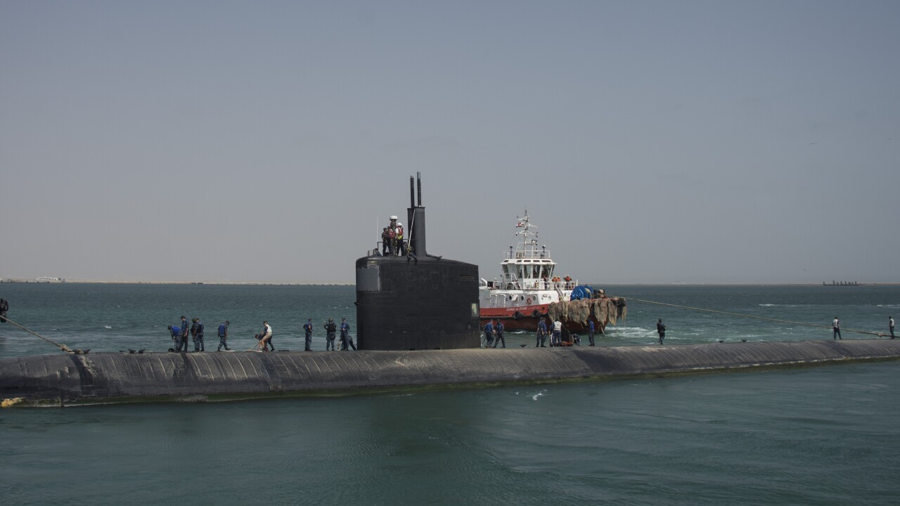 Repairing Navy submarines at private yards often cheaper, Congressional Budget Officefinds