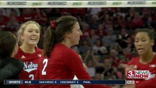 Nebraska volleyball team wins 8th straight, sweeps Maryland on Senior Night