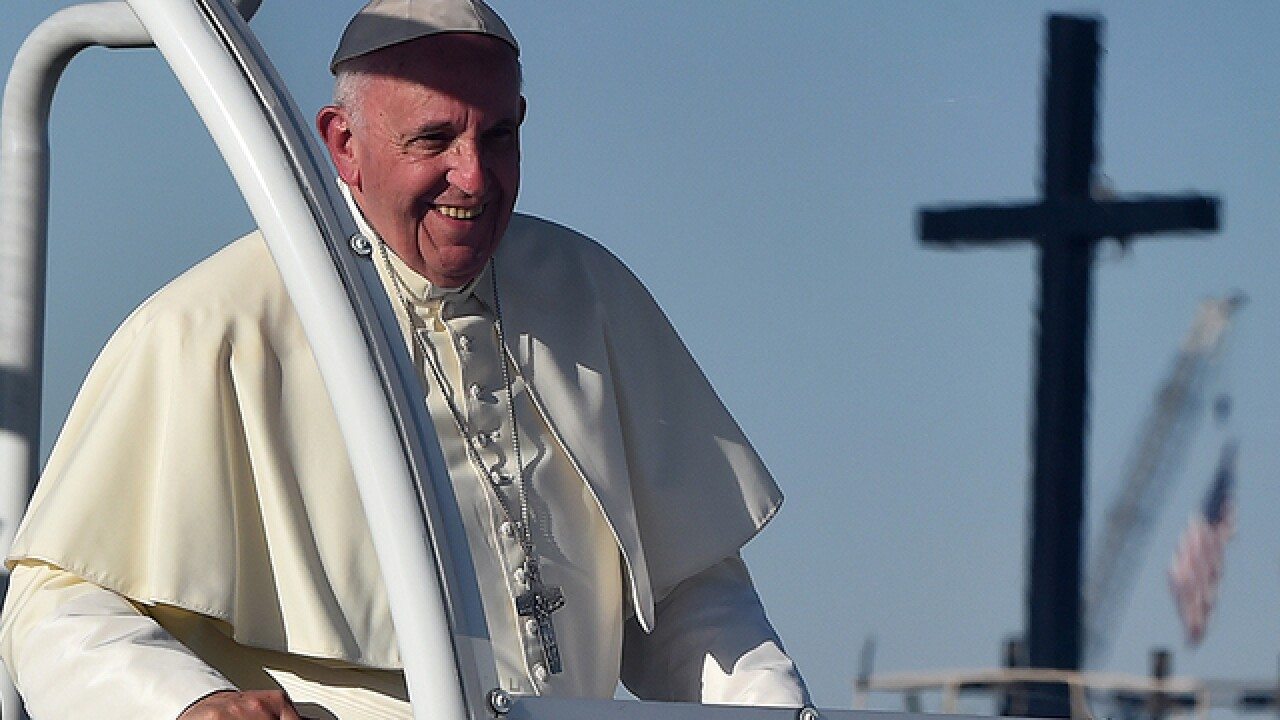 Pope ends trip with big stop at US-Mexico border