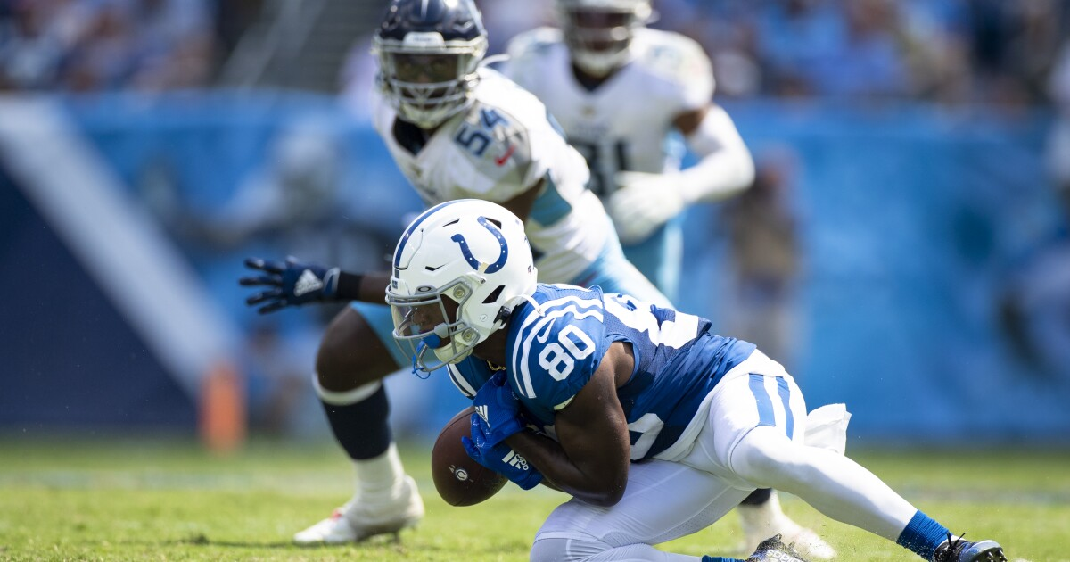 GALLERY: Colts win against Titans 19-17