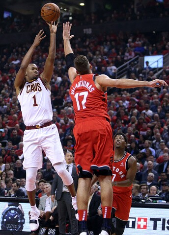 PHOTO GALLERY: Cavs fall to Raptors, 116-104