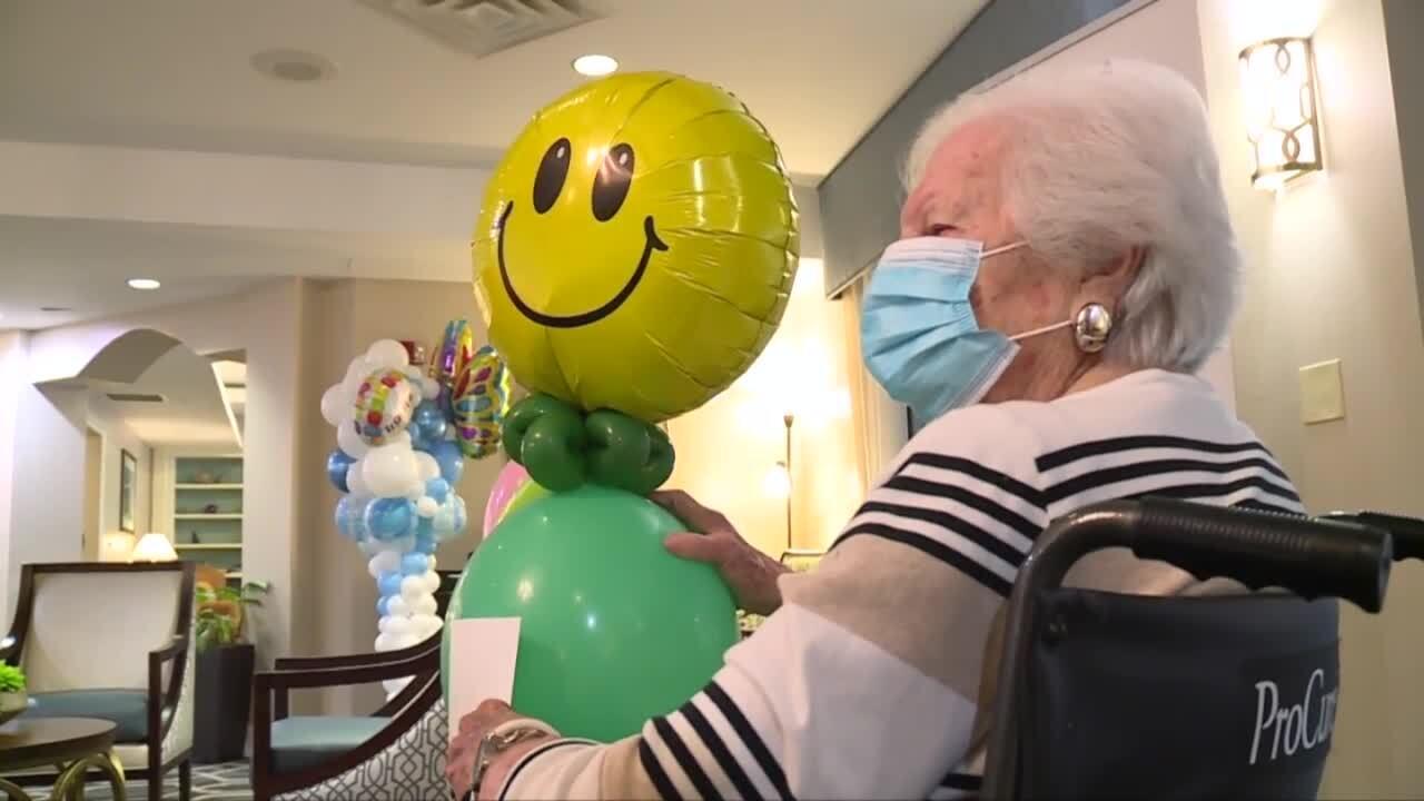 Discovery Village at Boynton Beach resident receives balloon buddy