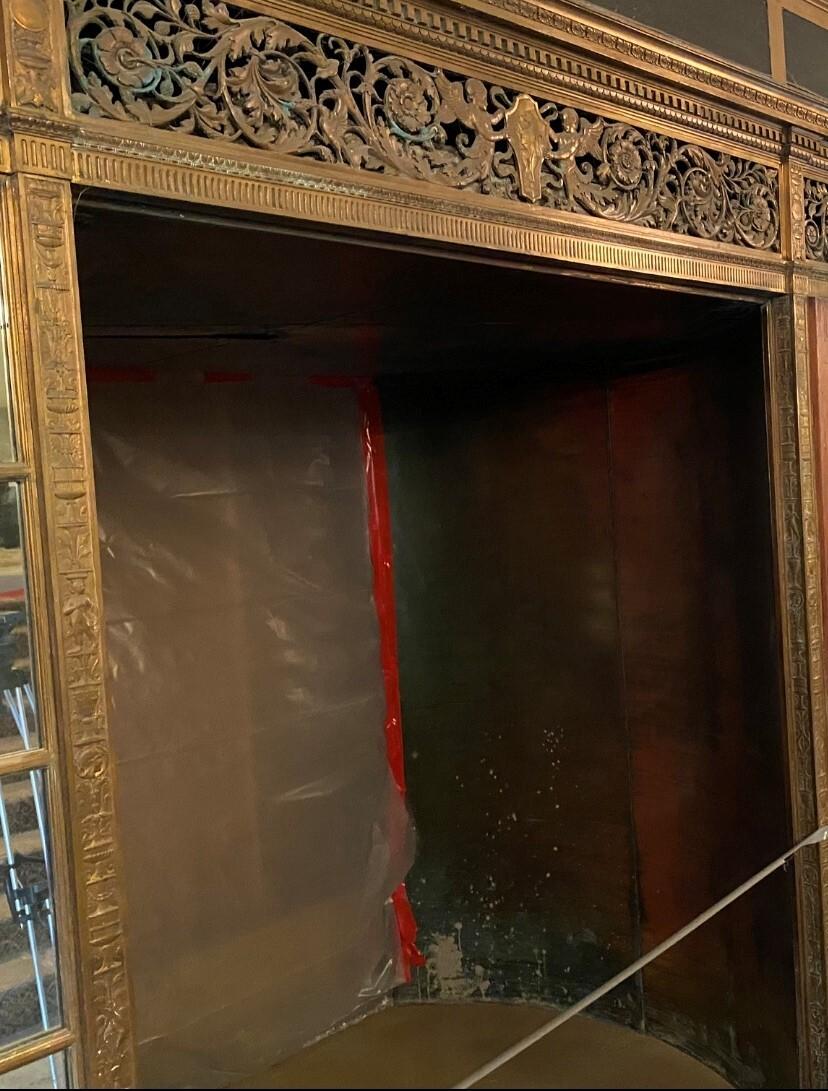 Statler inside entry