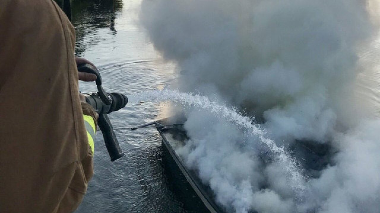 Boat fire extinguished in Fort Pierce