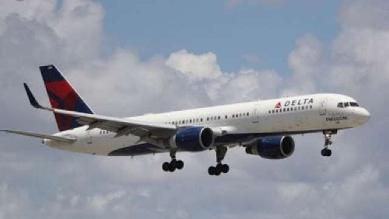 Delta plane made emergency landing after engine failed during flight