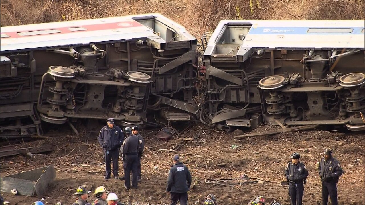 Sources: Train engineer said he was 'in a daze' before crash