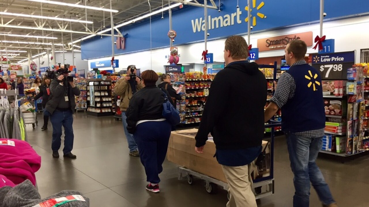 Donor pays off $106K at Ohio Wal-Mart layaways