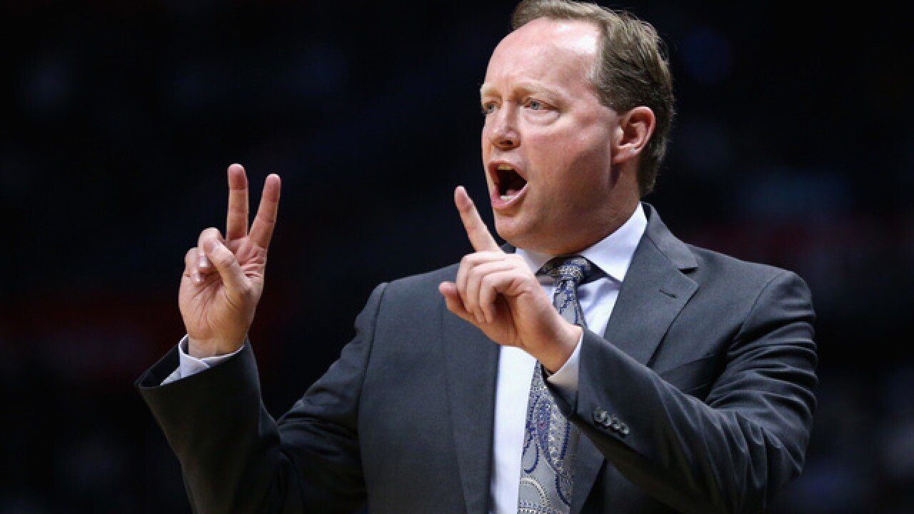 Report: Former Hawks coach Mike Budenholzer has breakfast with Giannis Antetokounmpo, Middleton