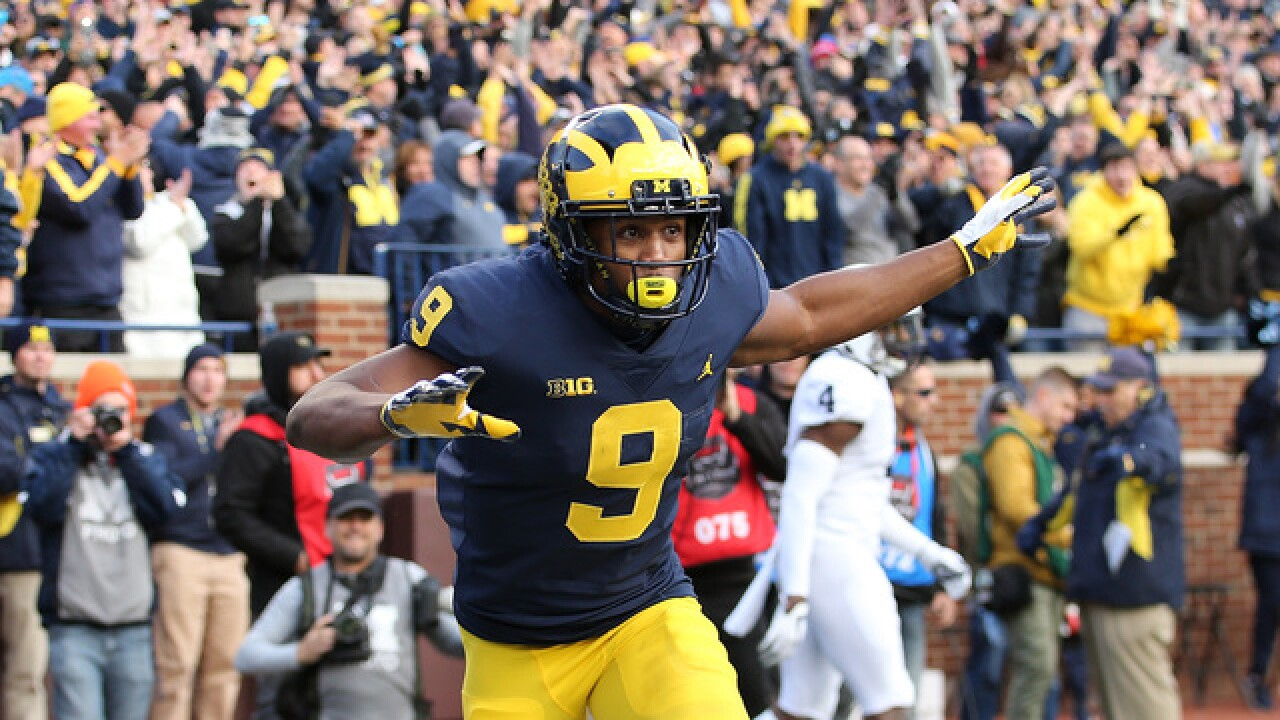 Michigan Moves Up To No 4 Michigan State Returns To Ap Top 25