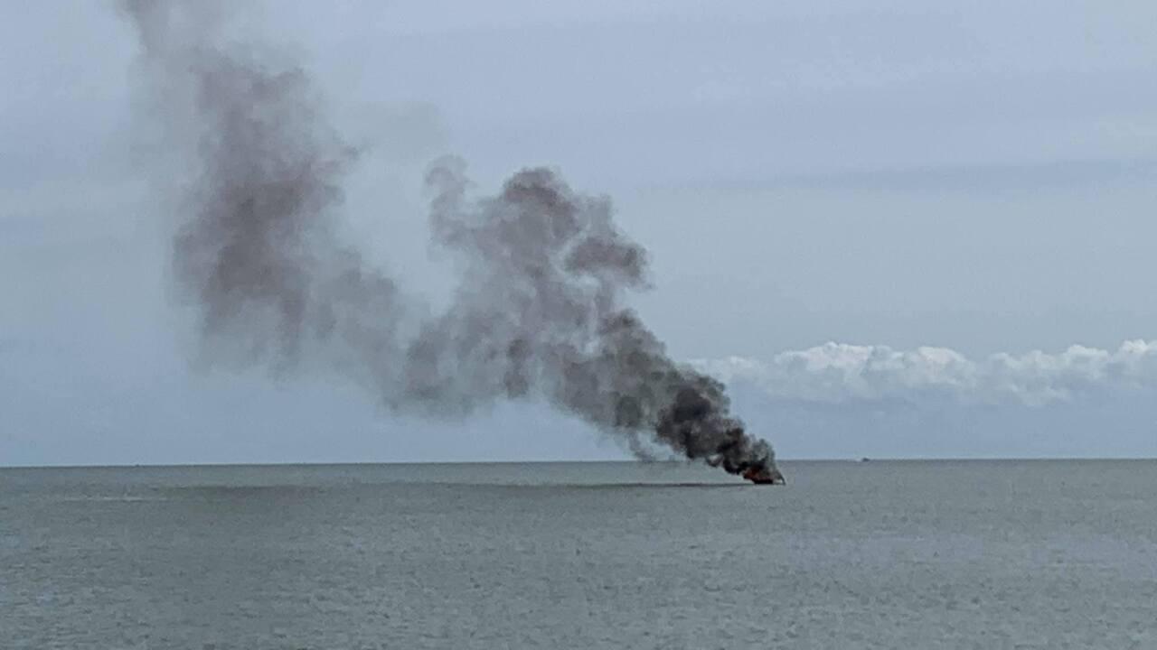 boat fire .jpg