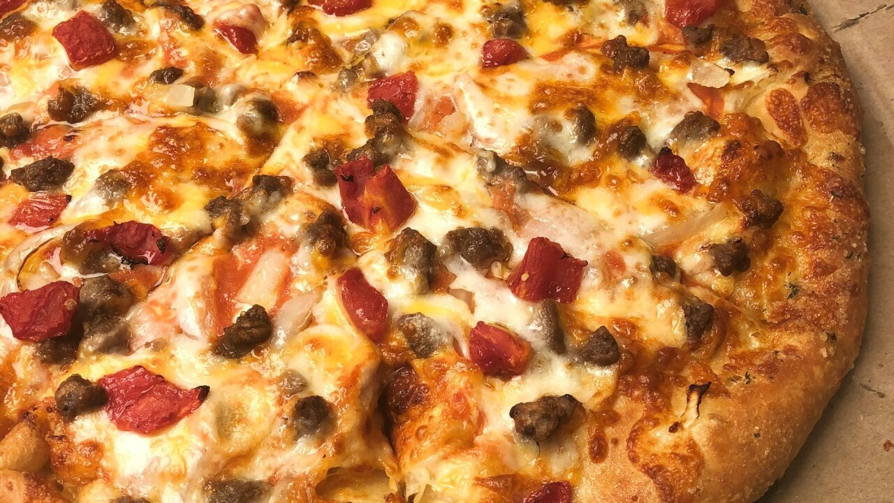 Dominos cheeseburger pizza.jpg