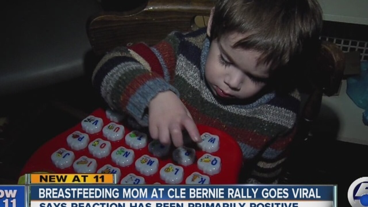 Mom breastfeeding at Bernie rally goes viral