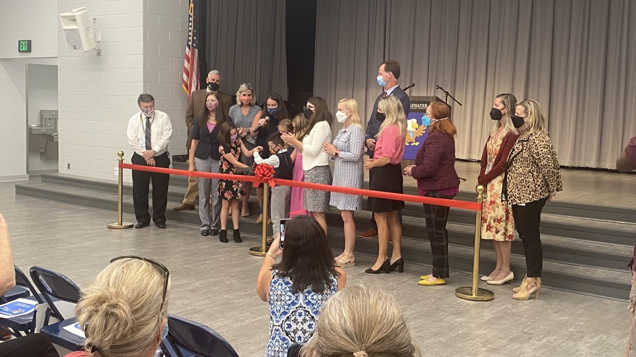 After tornado delay Edgewater Elementary holds ribbon cutting