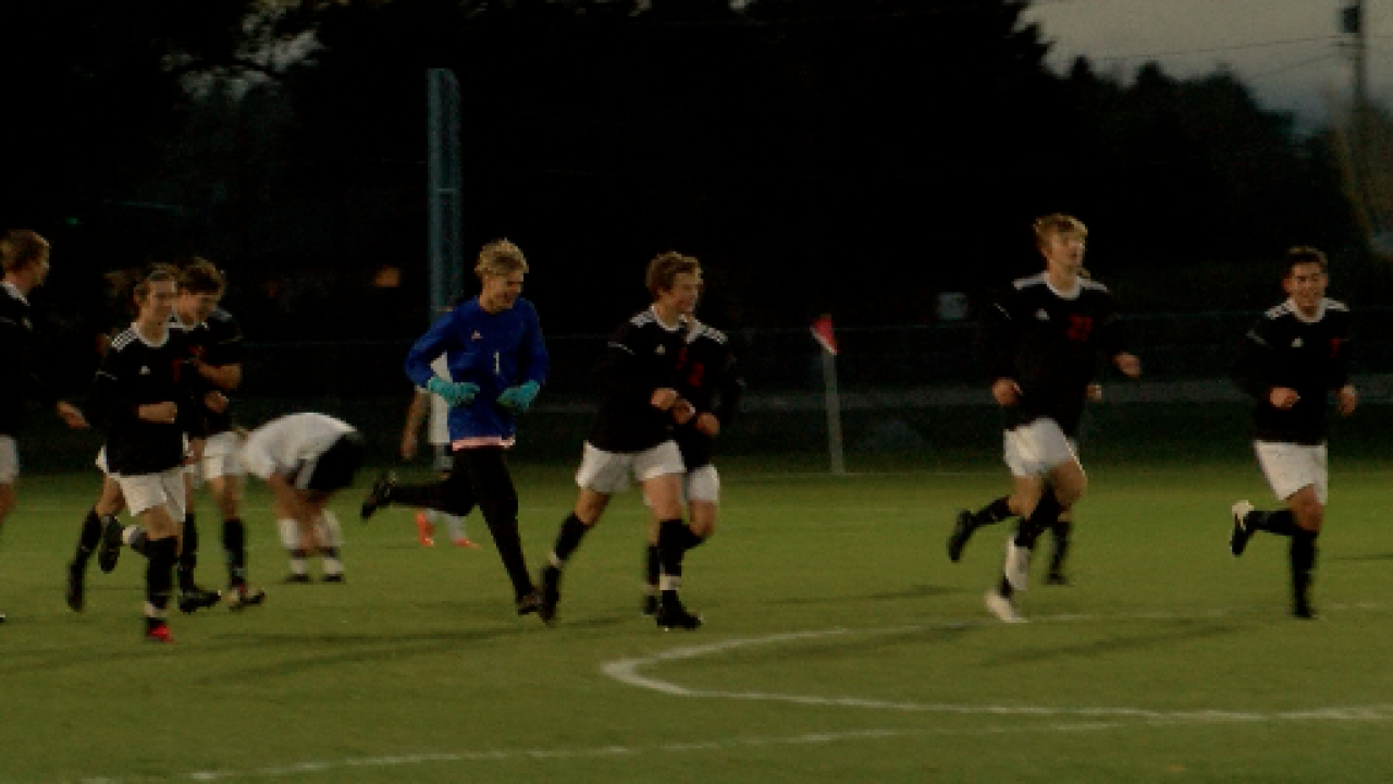 Bozeman boys soccer cruise to State AA semifinals